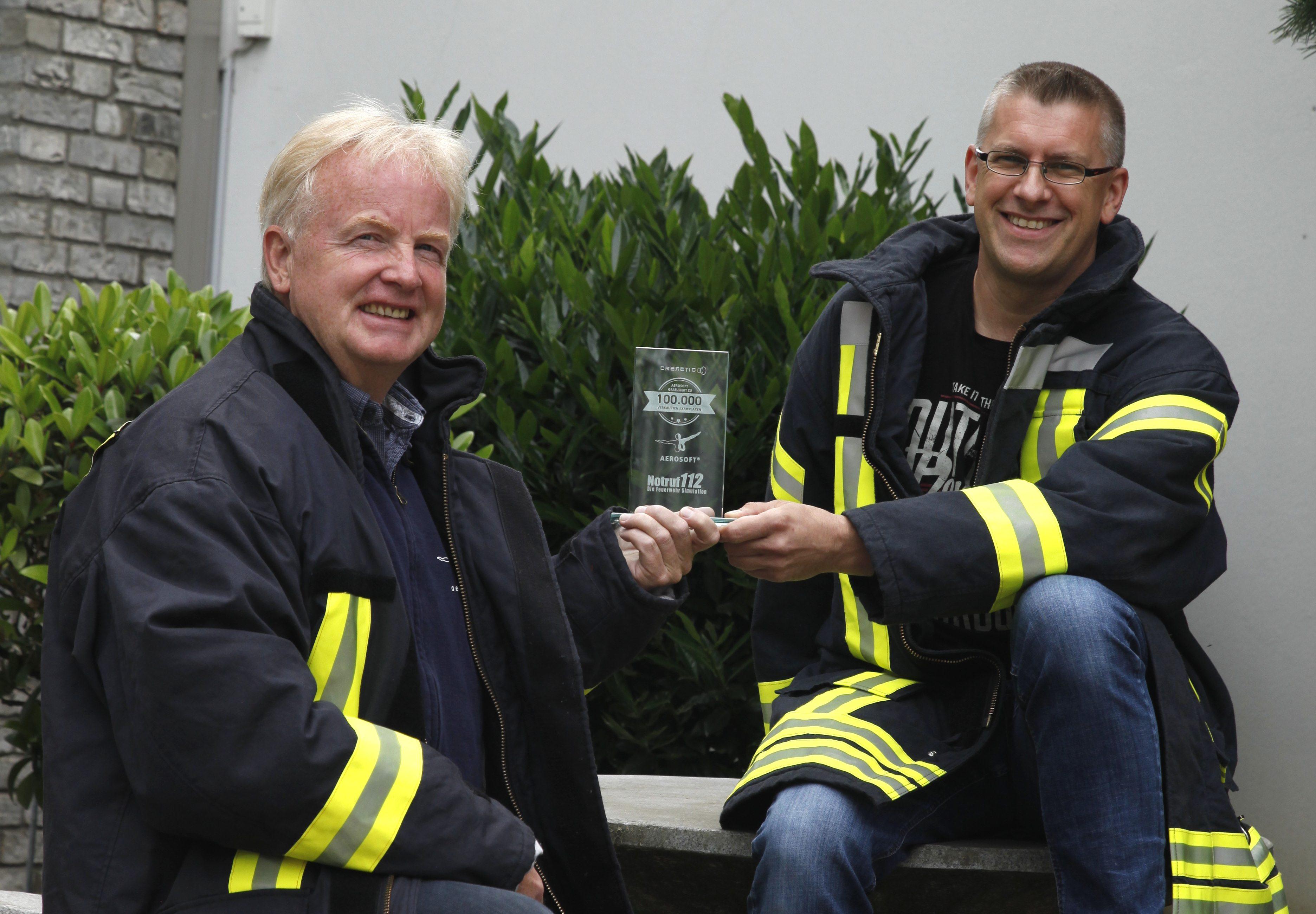 Pokalübergabe zu Notruf 112 - Die Feuerwehr Simulation